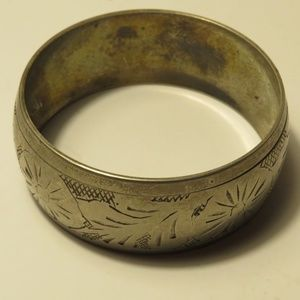 Vtg Mid Century Silver or Pewter Etched Bangle